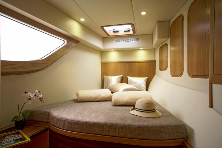 Cabin bow.jpg