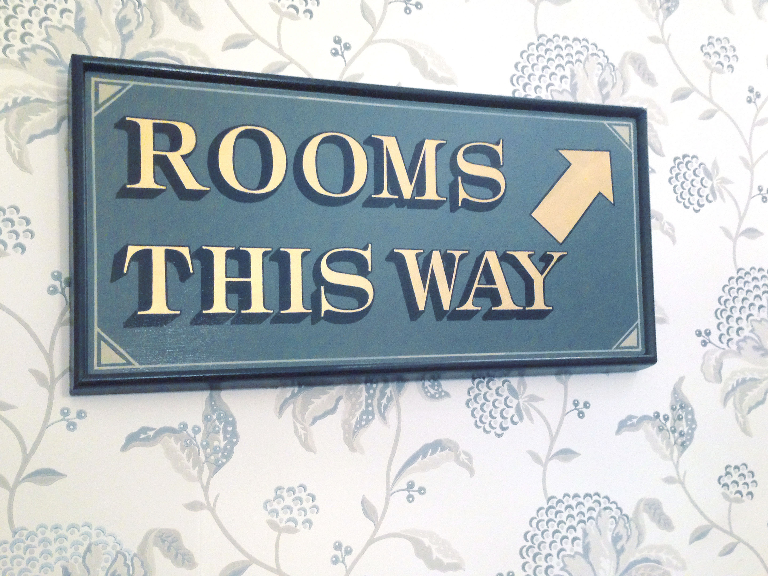 rooms_sign1