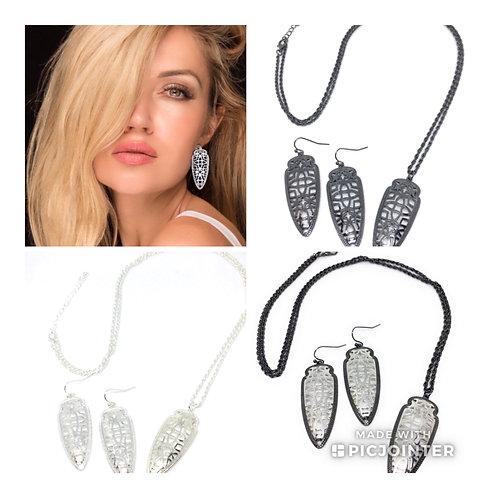 Metal Filigree Arrowhead Necklace and Earrings in 10 Metal Tones