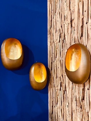 Hanging wall egg candle holder gold