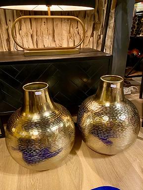 Hammered vase alu gold Medium