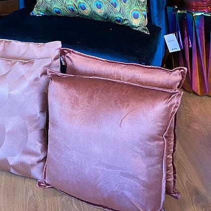 light pink velvet kussens
