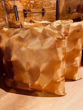 Cushion Gold 3D effect