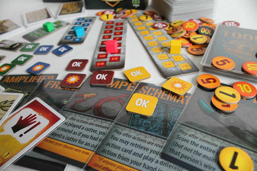 Bomb Squad Academy | Board Game Review by Geeky Goodies | Designed by Josh Cappel and Daniel Rocchi, from Tasty Minstrel Games