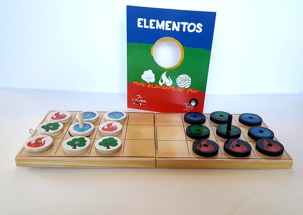 Elementos Board Game Review | Elementos is a fast-paced, two-player, abstract strategy game from designer Sharon Katz published by Tyto Games | Geeky Goodies Board Game Reviews
