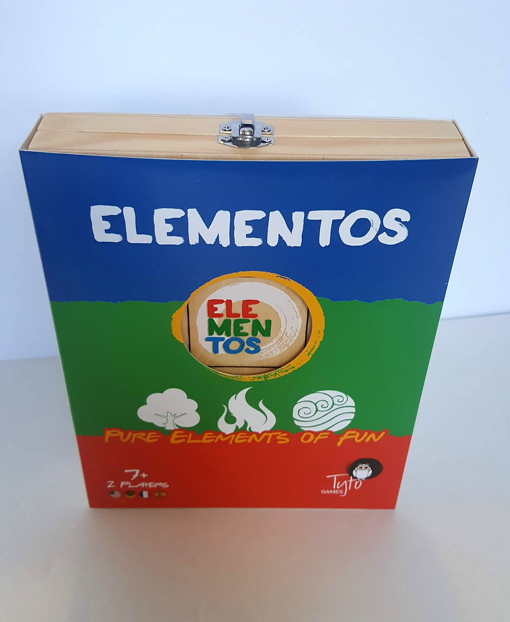 Elementos Board Game Review | The board (which is the box, I love that) folds open to be a 3 by 8 grid | Geeky Goodies Board Game Reviews