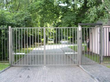 Автоматические ворота с калиткой