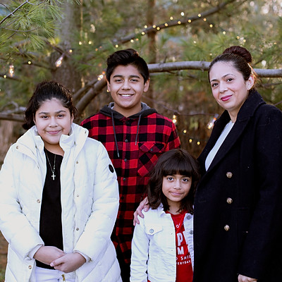 Martinez Family - Christmas Mini