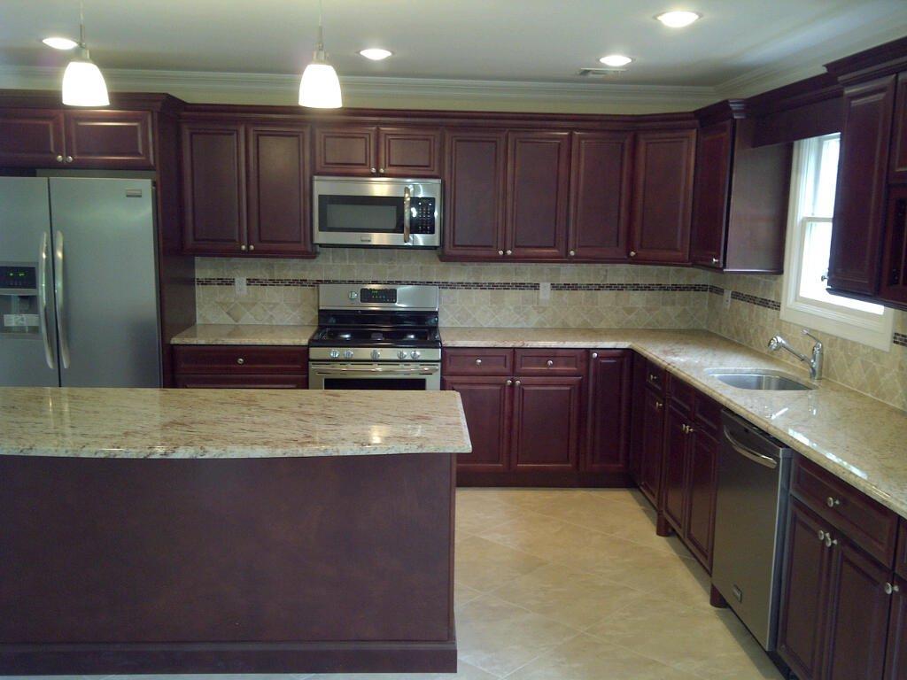 Cherry Glaze Kitchen Cabinets   Design Showroom   Cleveland ...
