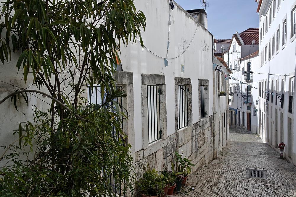 voyage portugal visiter lisbonne quartier alfama