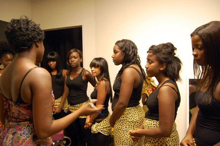 4bc29f-20100816-pageant-contestants.jpg