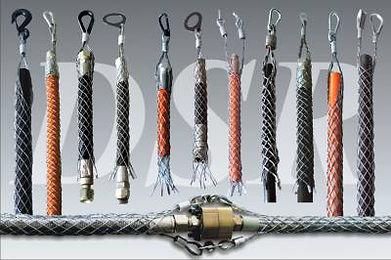Um cabo de segurança NR12 é formado por um conjunto de arames torcidos e estirados. O produto também é conhecido como luvas, mangas e molas de segurança contra (ou anti) chicoteamento de mangueira. Este dispositivo pode ser utilizado como conexão entre as mangueiras ou entre máquina e mangueira, vide modelo desejado.