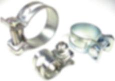 Basicamente, a finalidade de uma abraçadeiras de aço inox é manter fixas peças que foram instaladas, estabelecendo uma posição exata. Muito se vê, empresas que realizam a fabricação deste produto, e não é difícil encontrar as abraçadeiras para tubos hidráulicos em indústrias, hospitais, embarcações, shoppings, plataformas de petróleo, entre outros, isso porque podem ser produzidas em diversos materiais, como:  Nylon; Polipropileno; Alumínio; Aço inoxidável.