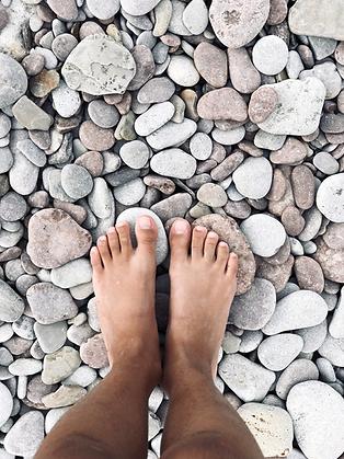 Man_stone_feet.png