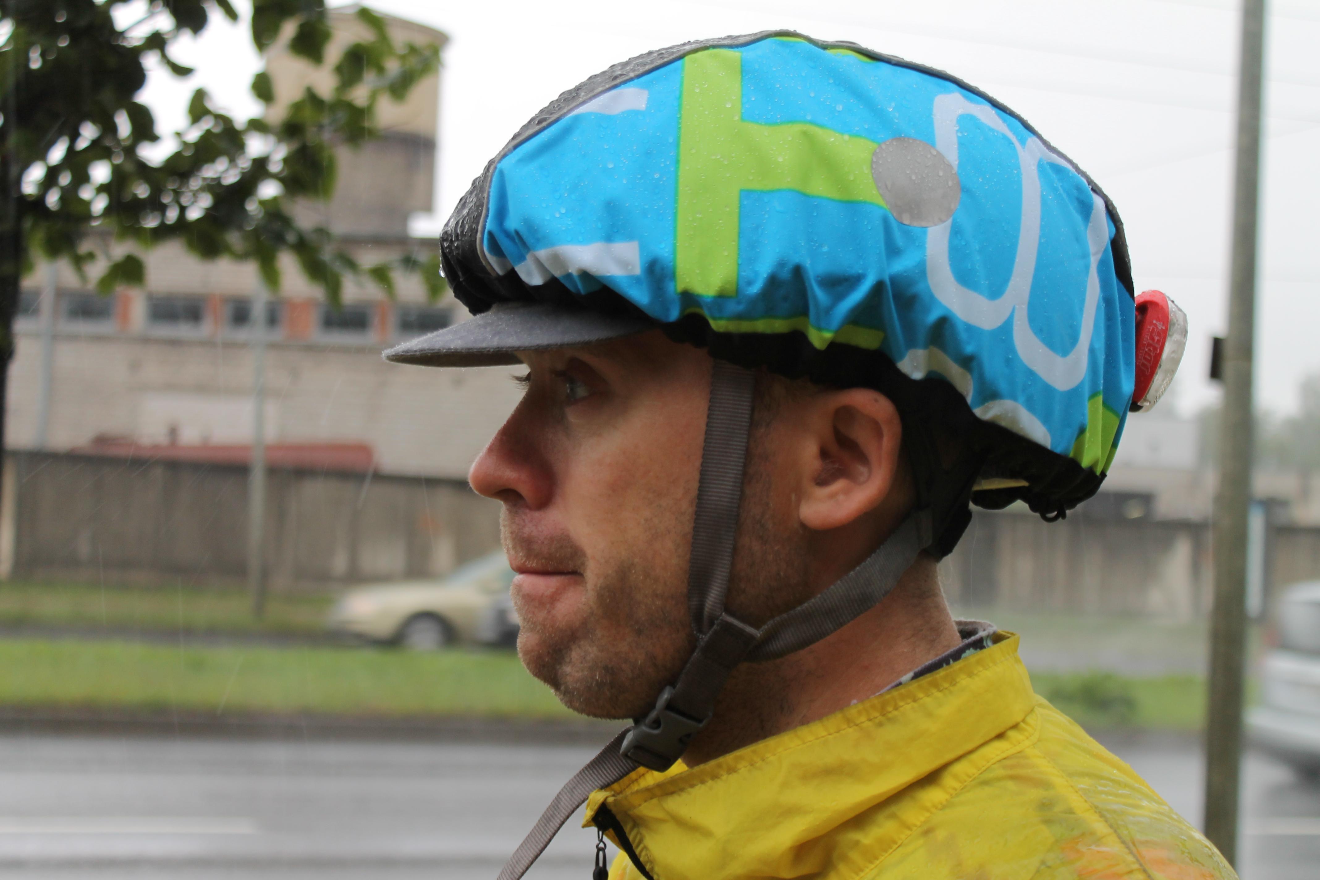 Melna+tirkīza lietus cepure