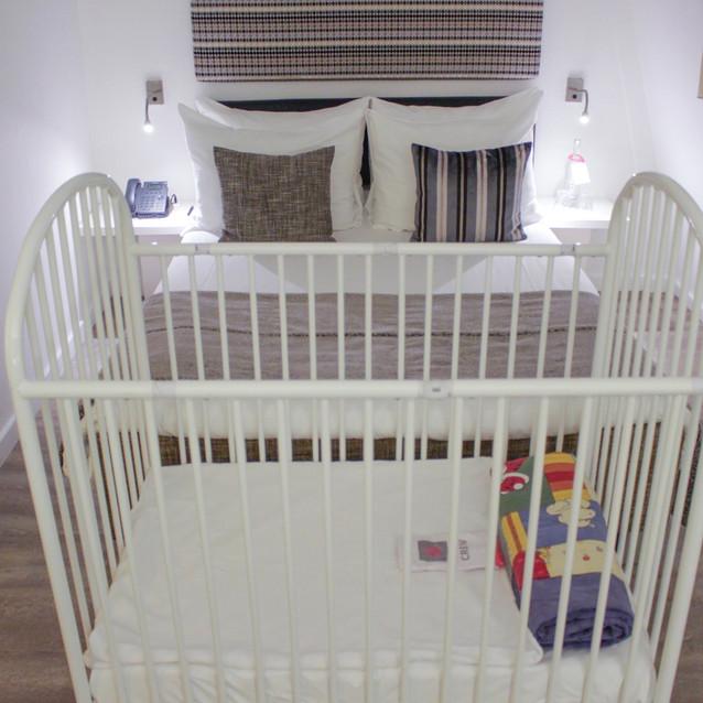 Infant crib