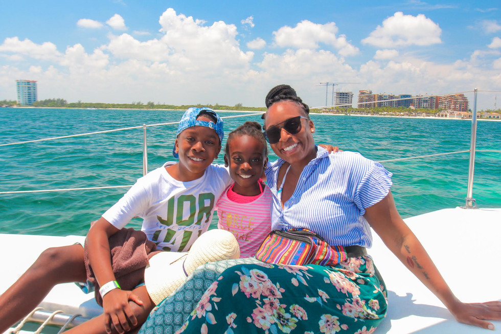Tips on how to travel as a single mom.