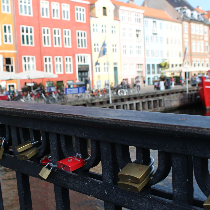Bring your own locks to Nyhavn