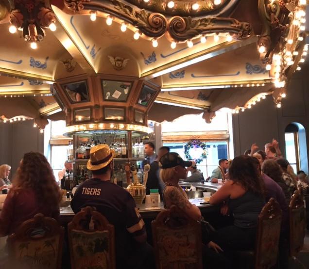 Hotel Monteleonecarousel bar