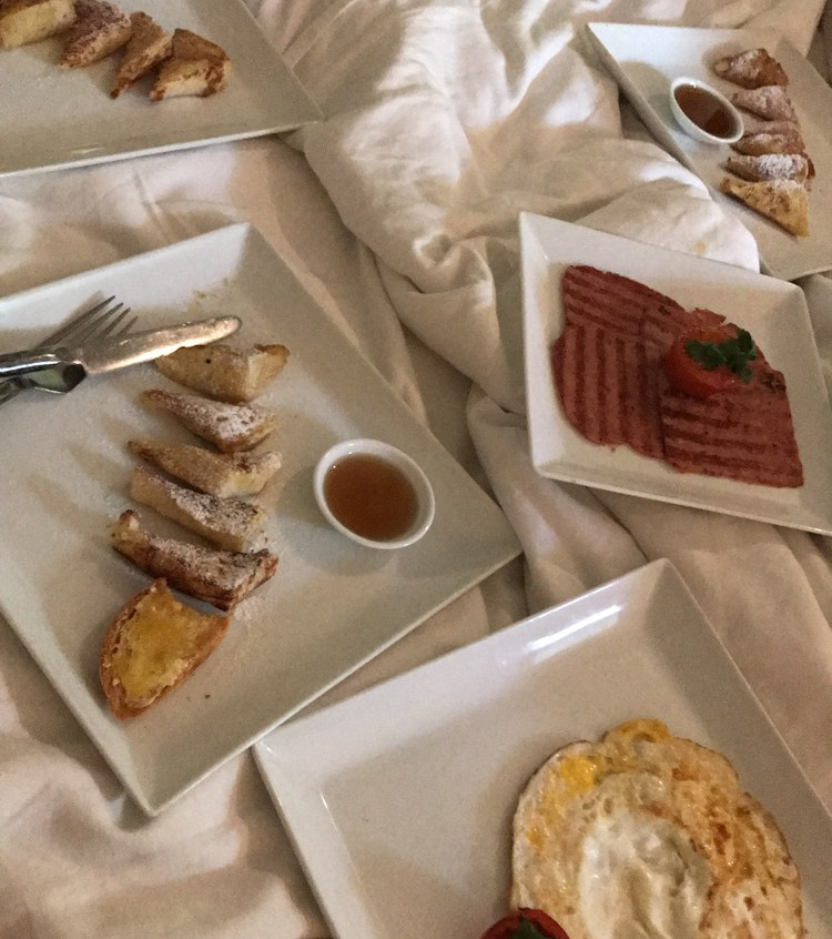 Choose to have breakfast in bed