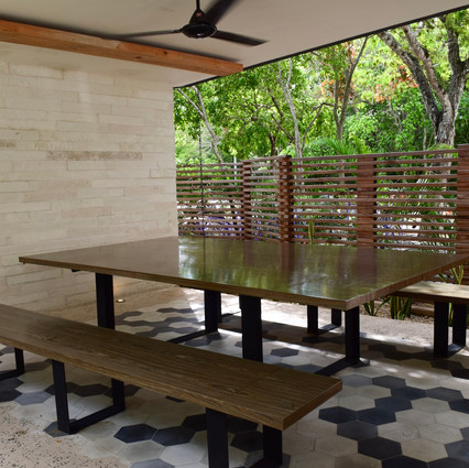 Outdoor Table/Ping Pong Table