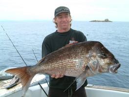 Murray Dix with his 9kg kelpy.JPG