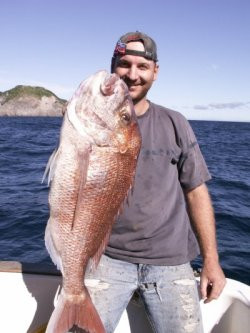 Justin Swift with toothy 6.5kg snap.JPG