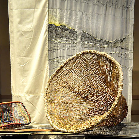 2_sunrise curtain and burden basket_geig