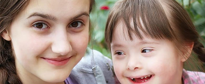 two-sisters-one-with-down-syndrome-800px