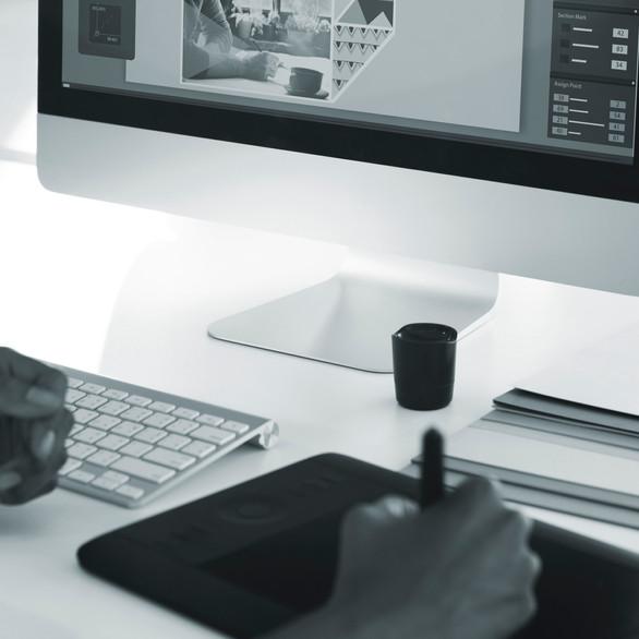 Websites SEO. Wir designen und realisieren Ihre Website, schnell und gut auffindbar. Je nach Ziel, Wunsch und Budget zeigen wir Ihnen, welches System am besten für Sie geeignet ist. Die Darstellung auf Smartphone, Tablet oder Pc ist optimiert sowie relevante SEO Einträge und Suchbegriffe.