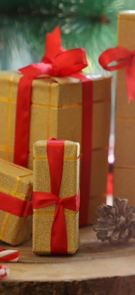 Christmas Gifts_edited_edited.jpg