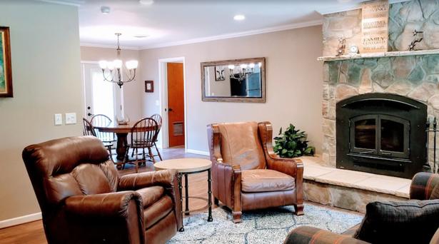 BELL HOUSE - LIVING ROOM