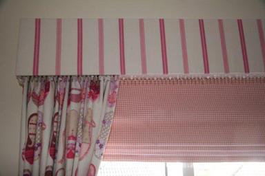 Pelmet, Blind & Curtains