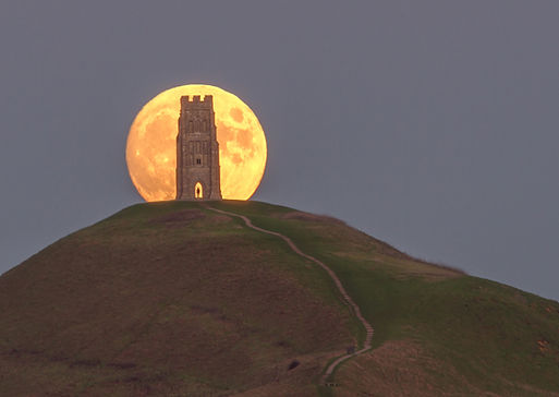 UK14-1012a_Moonrise_Glastonbury_Tor.jpg