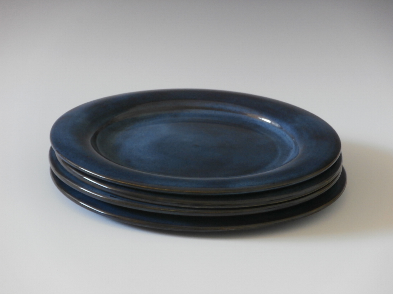 Navy blue dinner set
