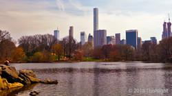 Lake Central Park. Manhattan skyline