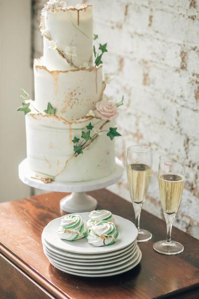 Enchanted Secret Garden Wedding cake