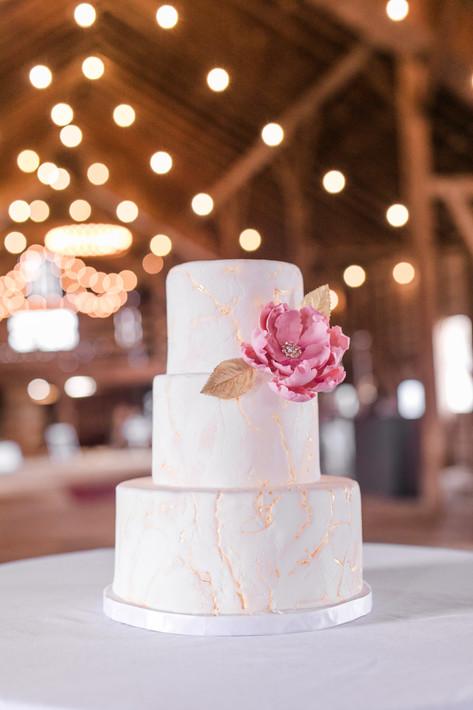 Ivory Marbled Wedding cake with Gold Kitsugi