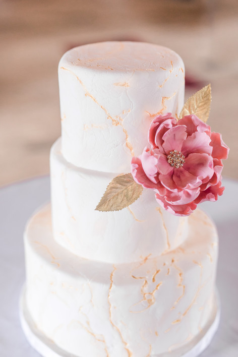 Cracked Marble and gold Wedding Cake