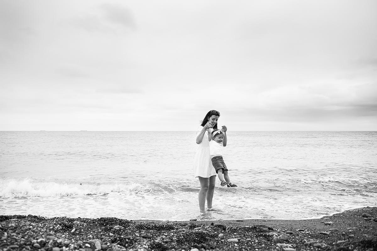 Family Session at Killiney beach in Dublin with Shoshannah Wood by Camila Lee Family Photographer