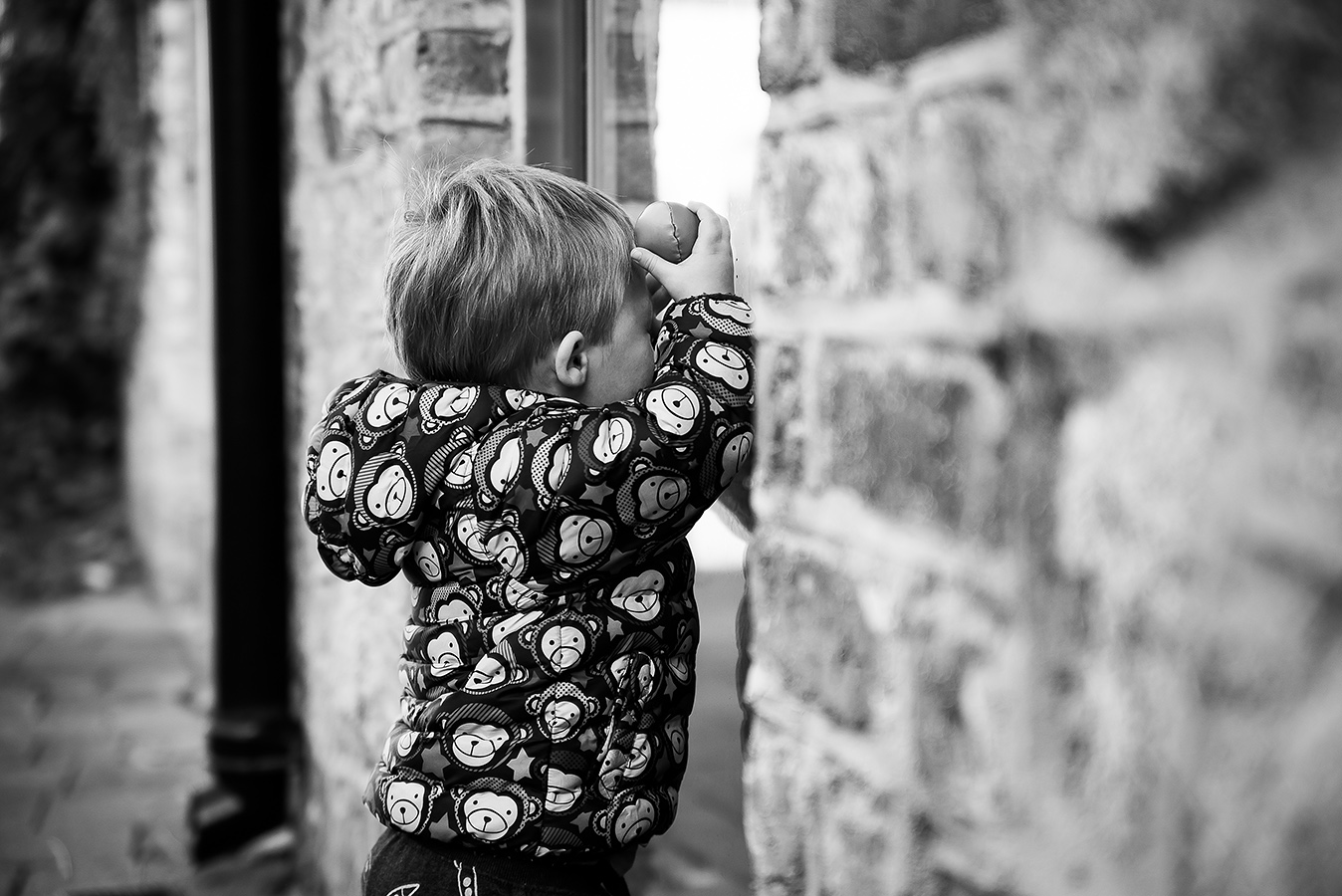 Playing Hide and Seek - Family Photoshoot at Marlay Park in Dublin by Camila Lee
