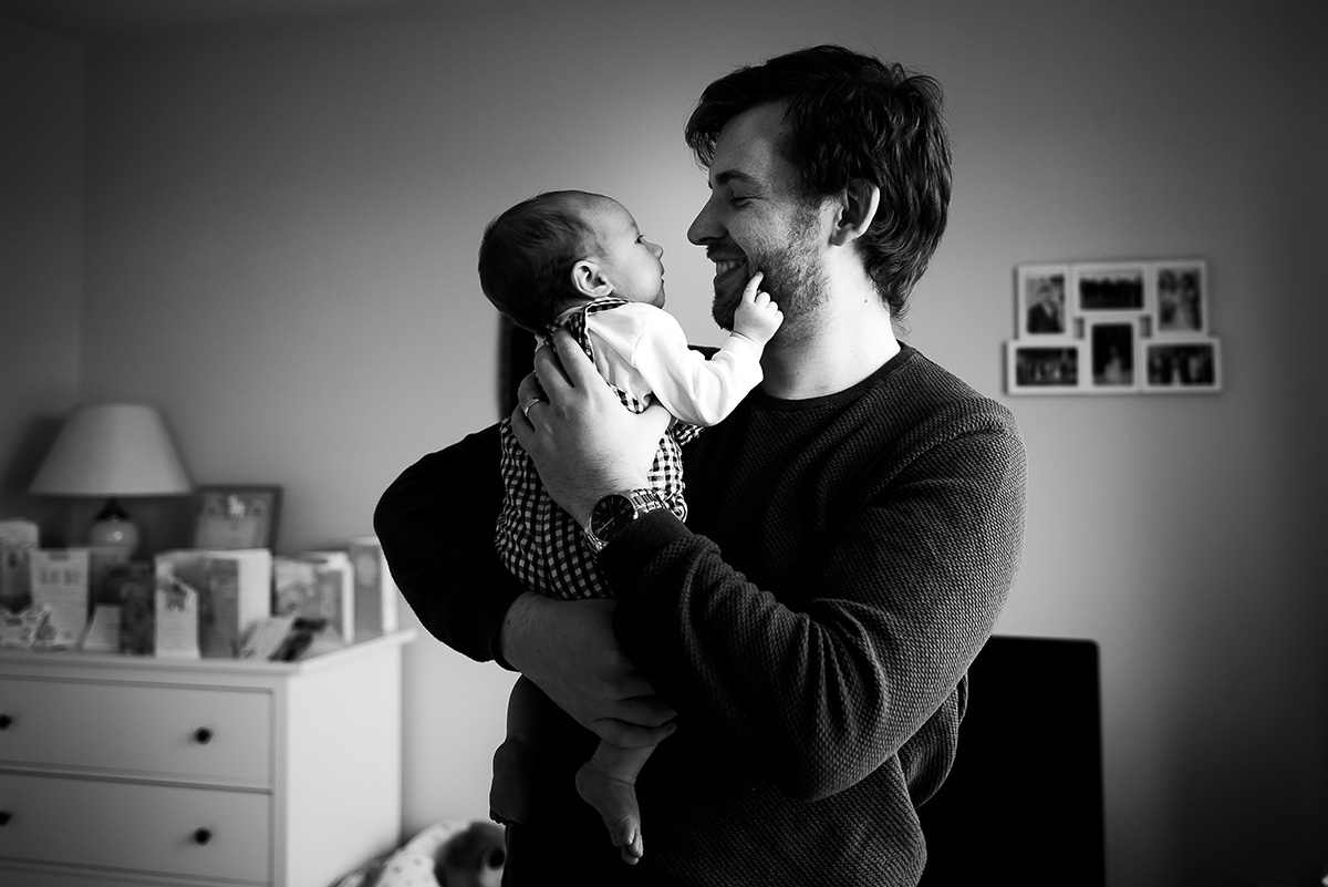 Father and Newborn baby by Family Photographer Camila Lee