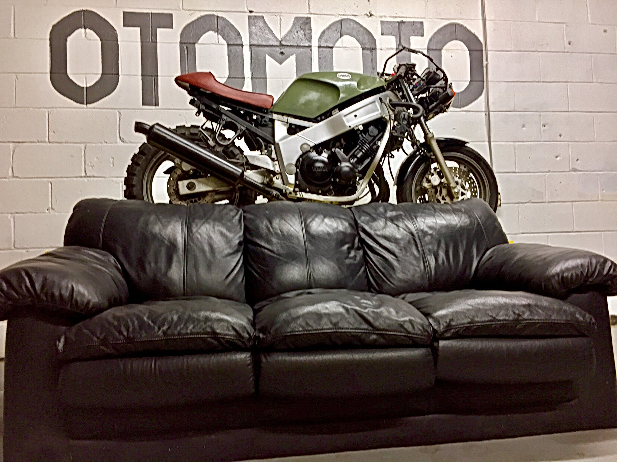 Yamaha 1989 FZR 600 Street Fighter