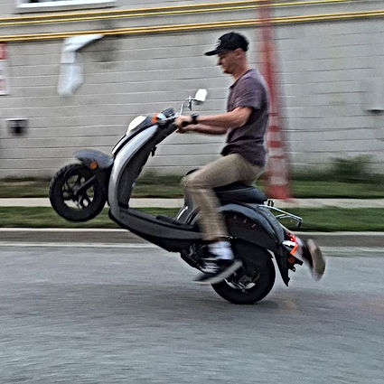 honda jazz chf50 Scooter Review
