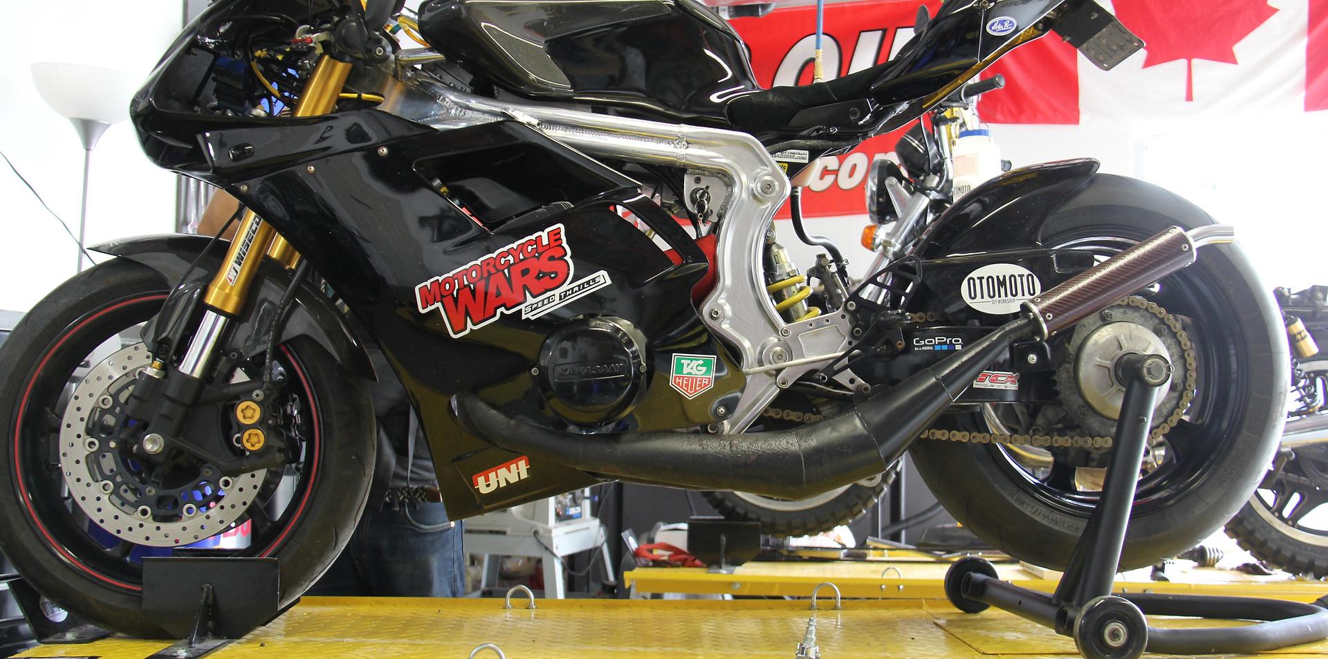 Toronto Moto Mechanic Race Motorcycle