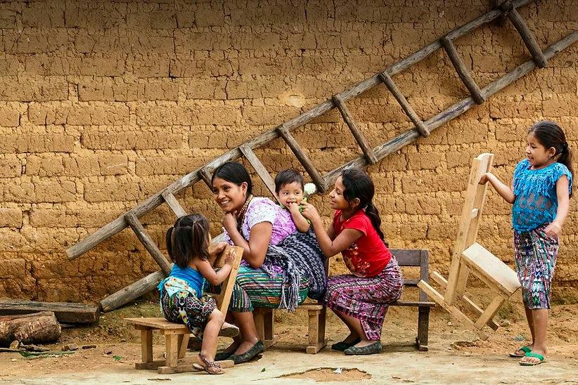 Puedes obtener más información en: https://www.un.org/sustainabledevelopment/es/poverty/