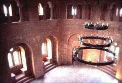 Trifels-Burgsaal_von_oben.jpg