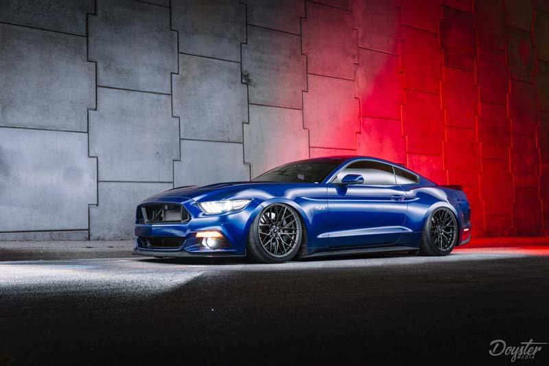Mavi Ford Mustang Duvar Kağıdı | 3 Boyutlu Mustang Duvar Kağıtlari | İstanbul