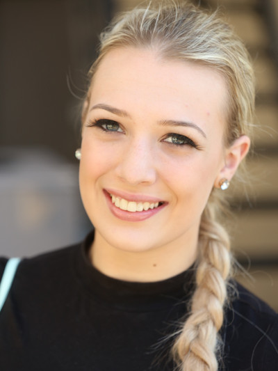 Allie Marshall Headshot