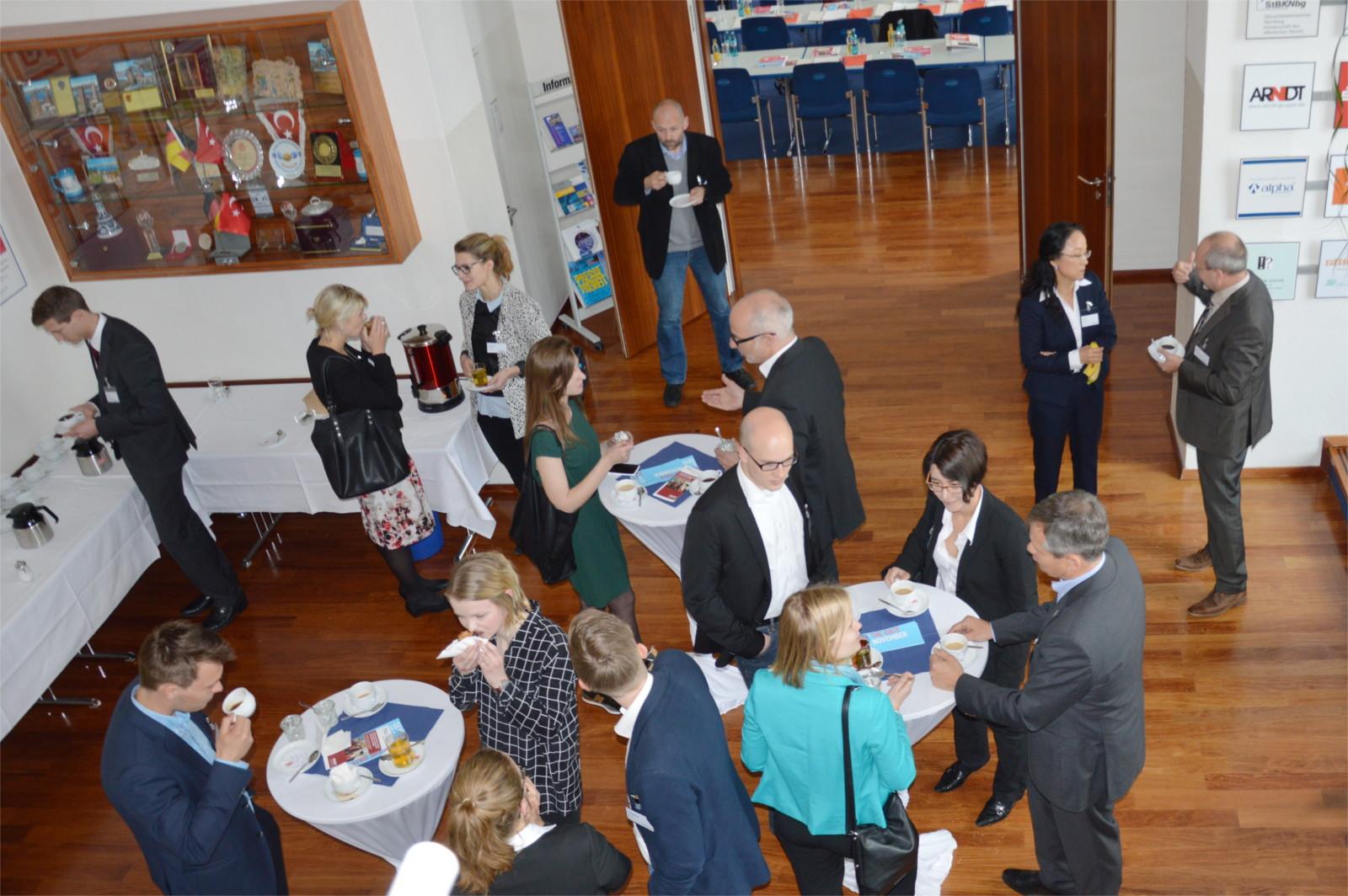 Teilnehmer und Referenten